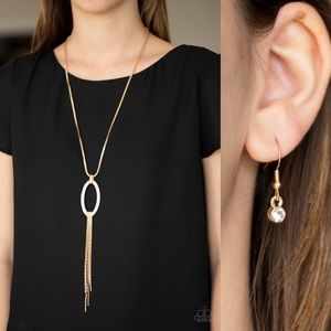 ❤️Head Oval Heels Necklace Set